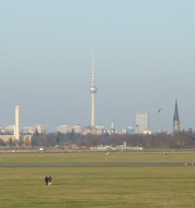 Tempelhofer_Feld_Blick_Kreuzberg